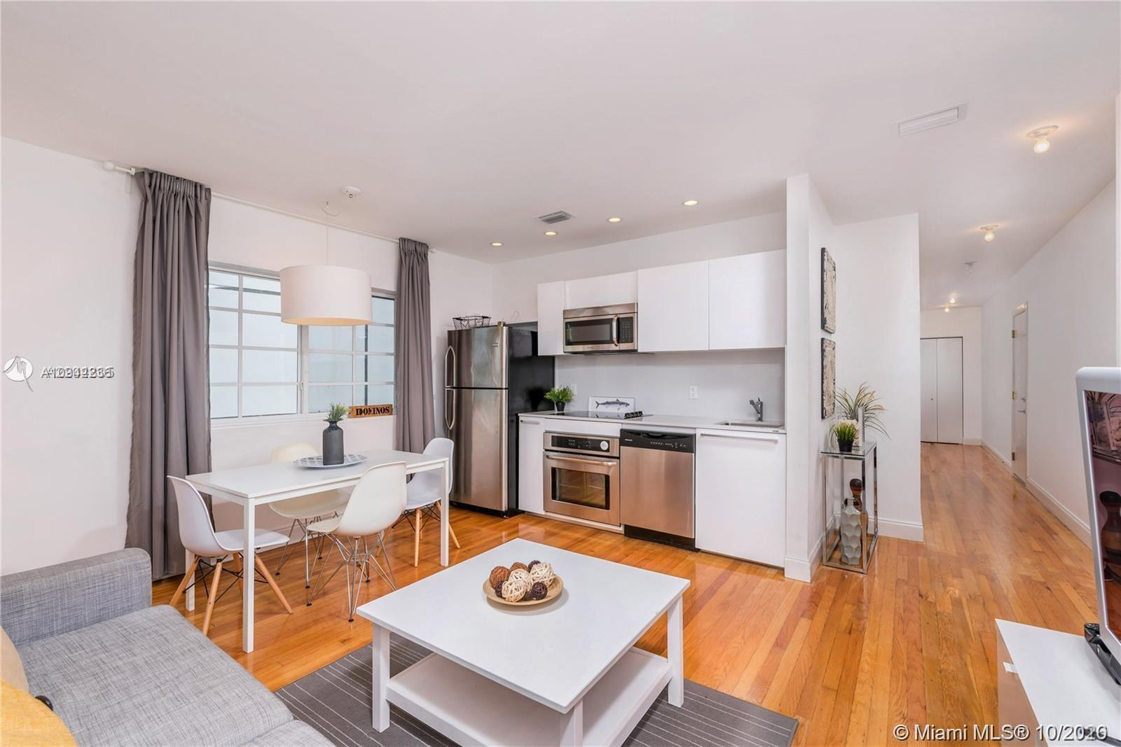 Completely remodeled, 2 bedrooms, 2 baths, rebuilt like new Art Deco Condo Conversion. Great layout,