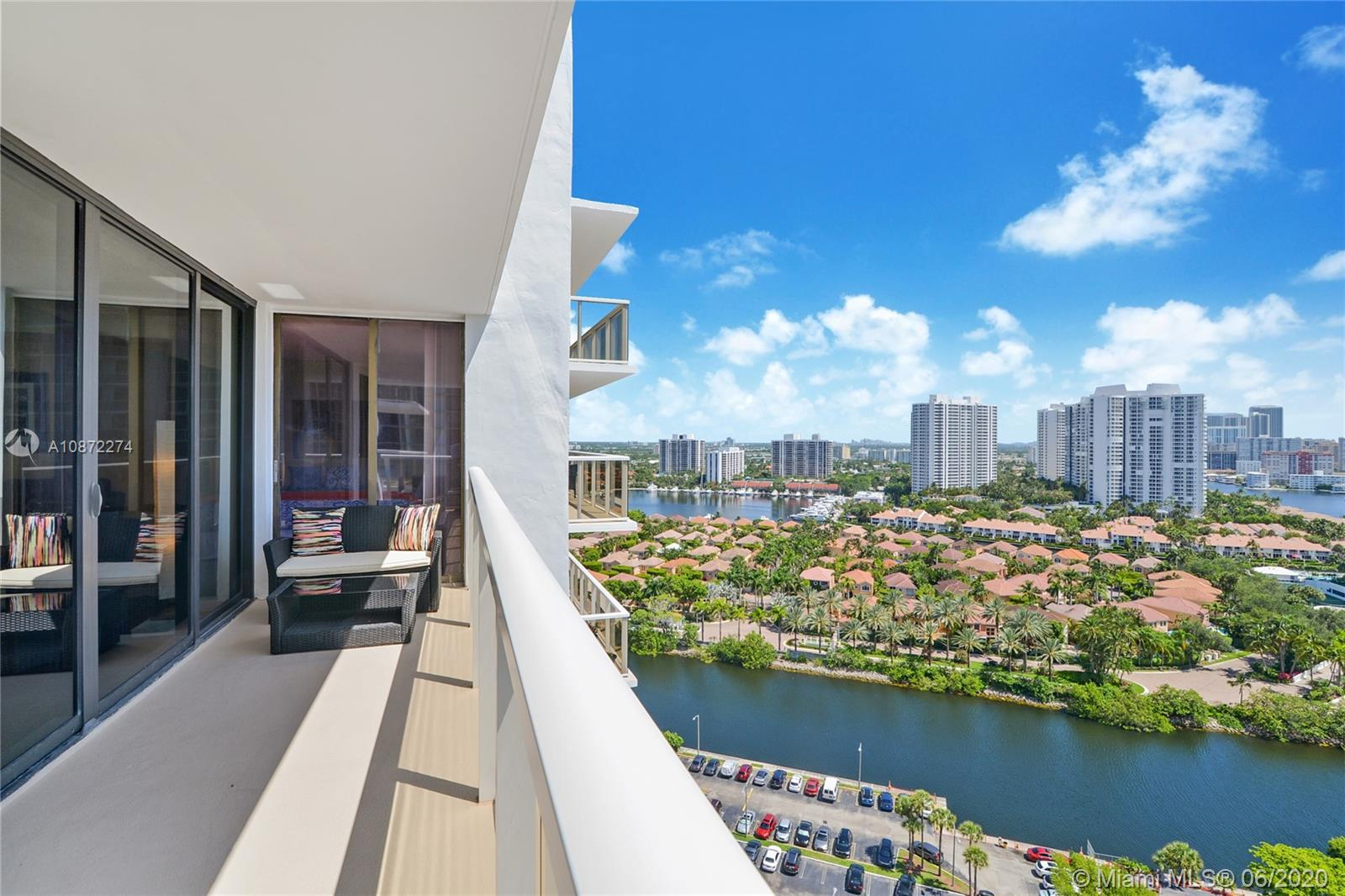Spilt 2 bedroom, 2 bath residence on high floor with lovely ocean and intracoastal view.  Updated ki