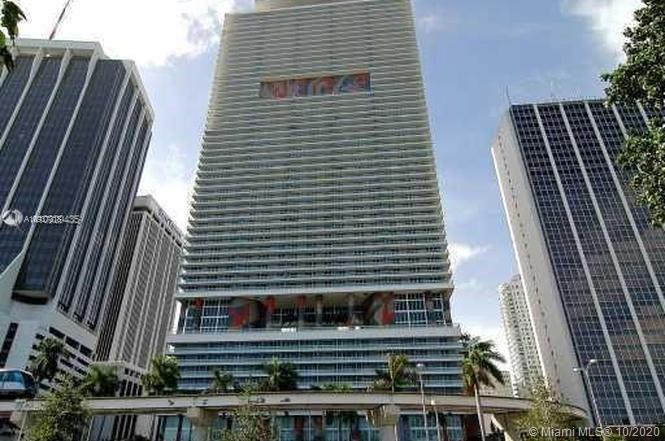 Downtown Miami 2-Bedroom 2 bath with Den Condominium on the 22nd floor of the prestigious and elegan