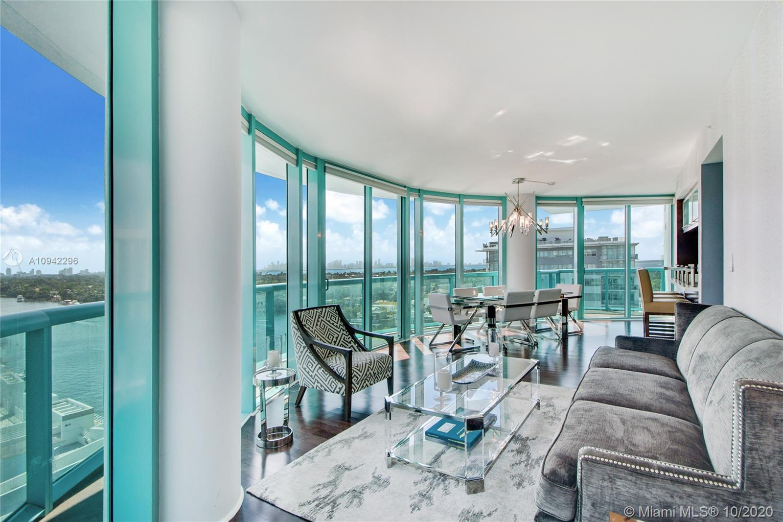 This elegant condo is fully illuminated by natural light and panoramic views of the intracoastal and