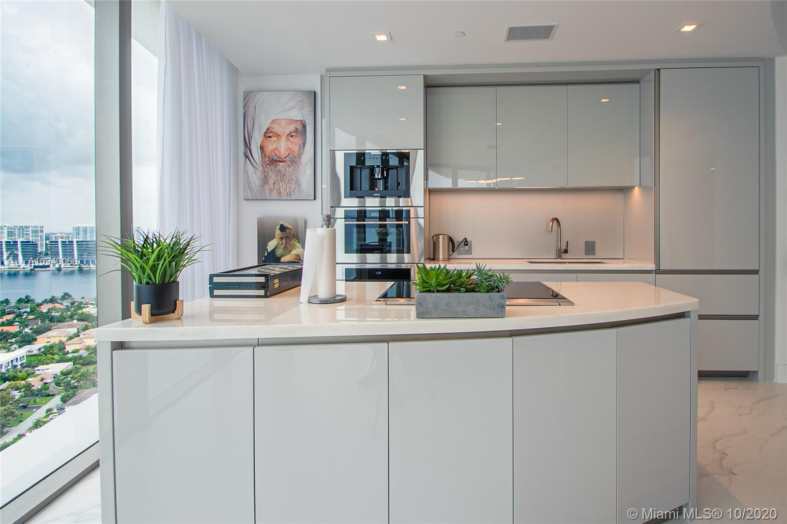 Residences by Armani 2 Bedrooms/2.5 Bathrooms. Tastefully finished , ready to move in, custom built