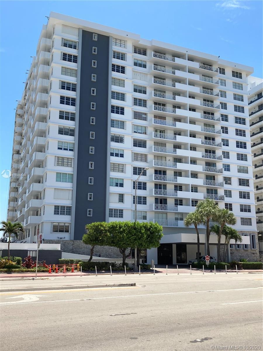 Direct Ocean View. 2bd/2bth. Open Kitchen. Granite Counter tops. Marble Floors.  24 hour concierge,