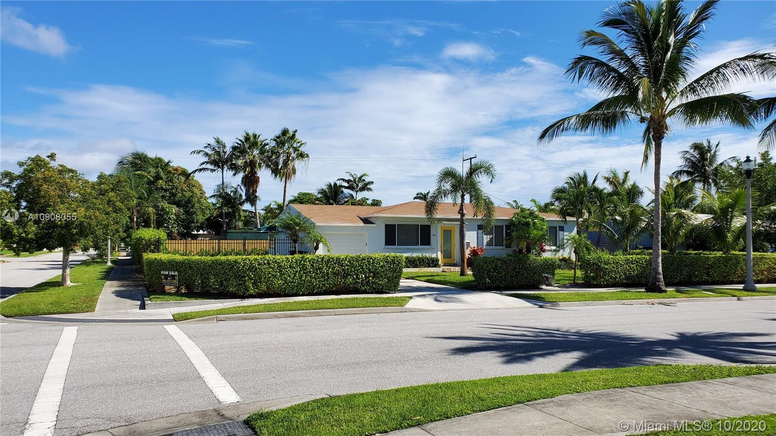 Come and view this cozy home on a corner lot in the desirable Palm Beach SoSo area, a few blocks awa