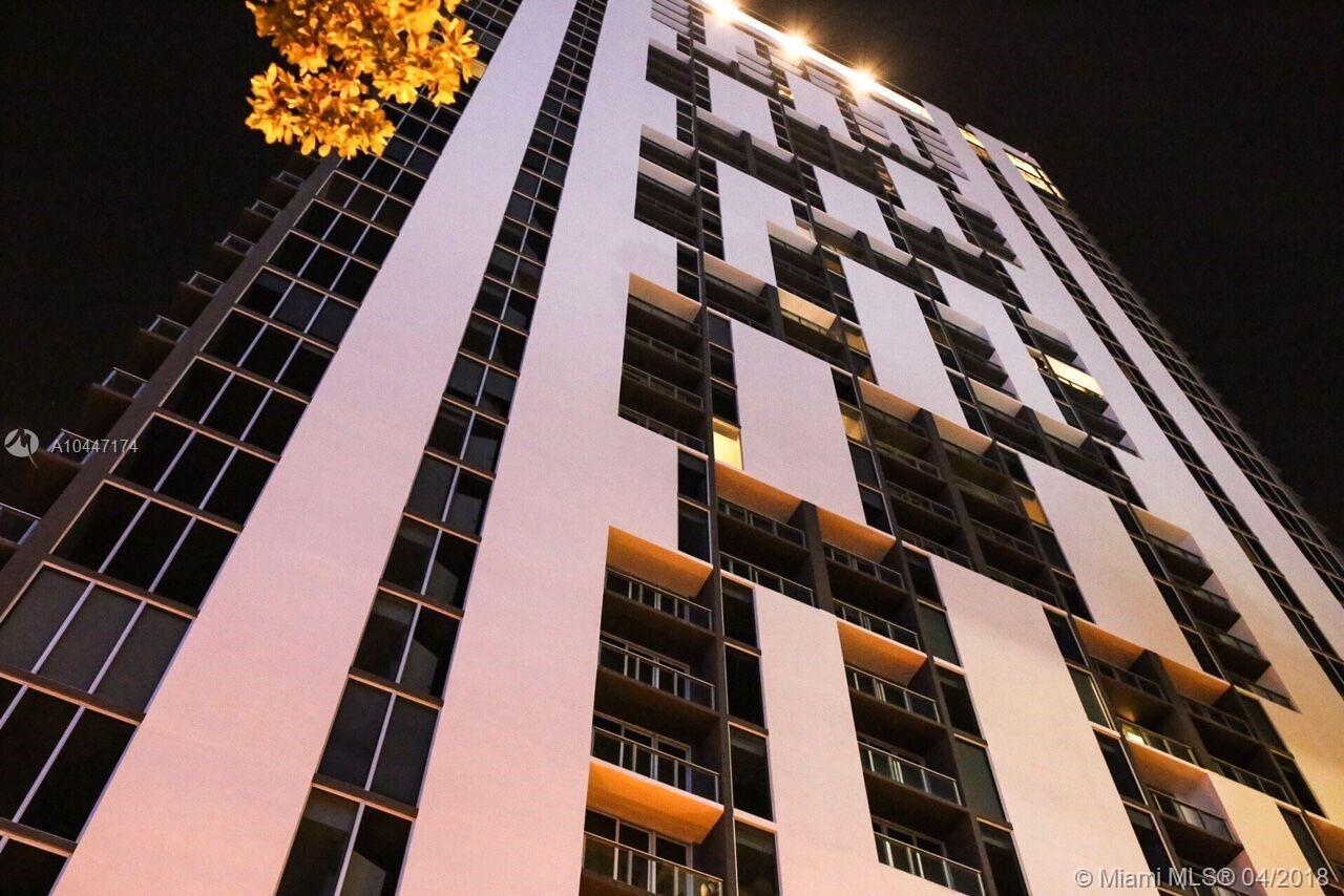 A must see 1 bedroom and 1 bath unit at Centro Downtown Miami. This beautiful apartment offers true