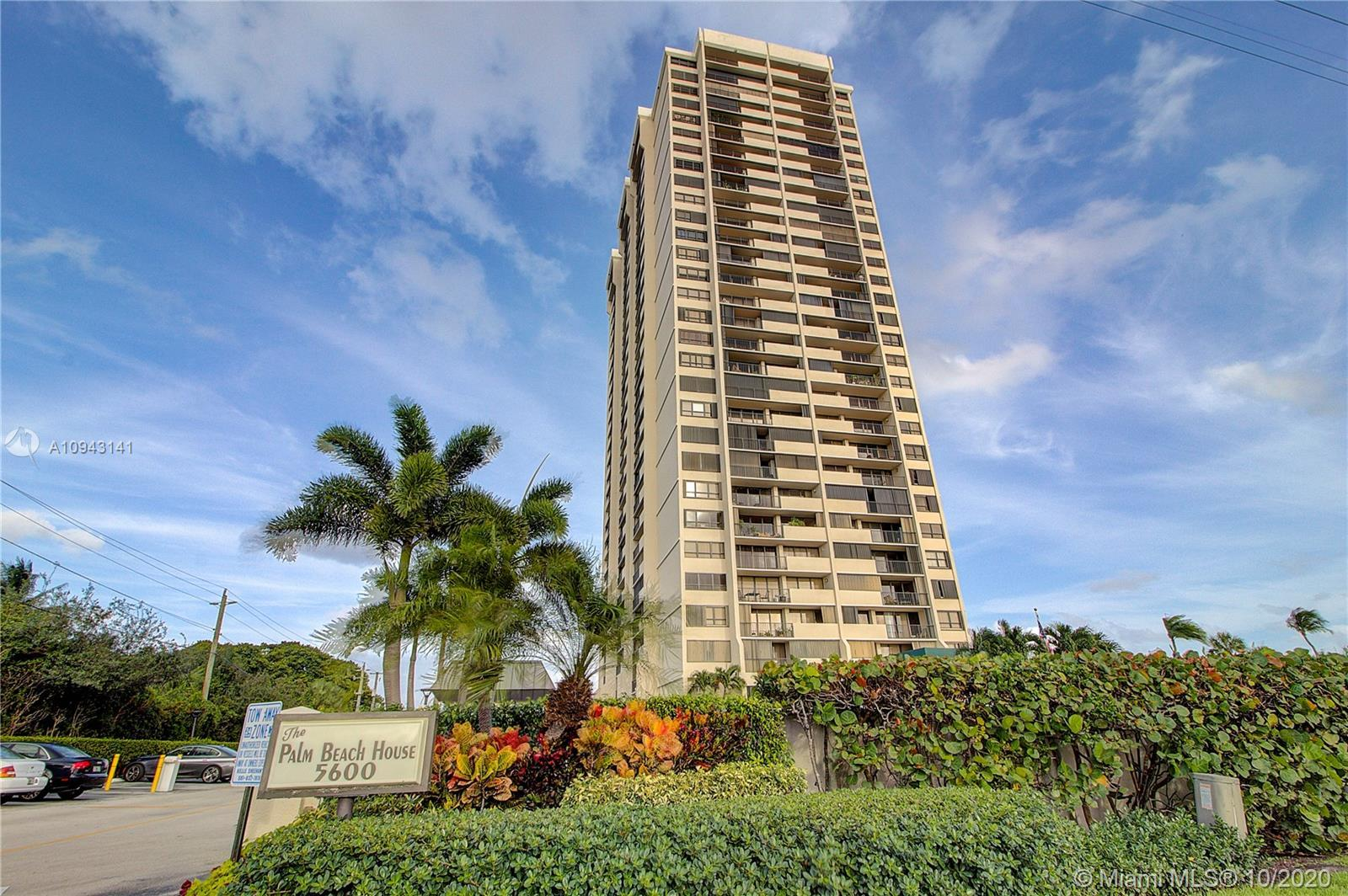 The location of this particular unit is just perfect, right in the center of the building. The views