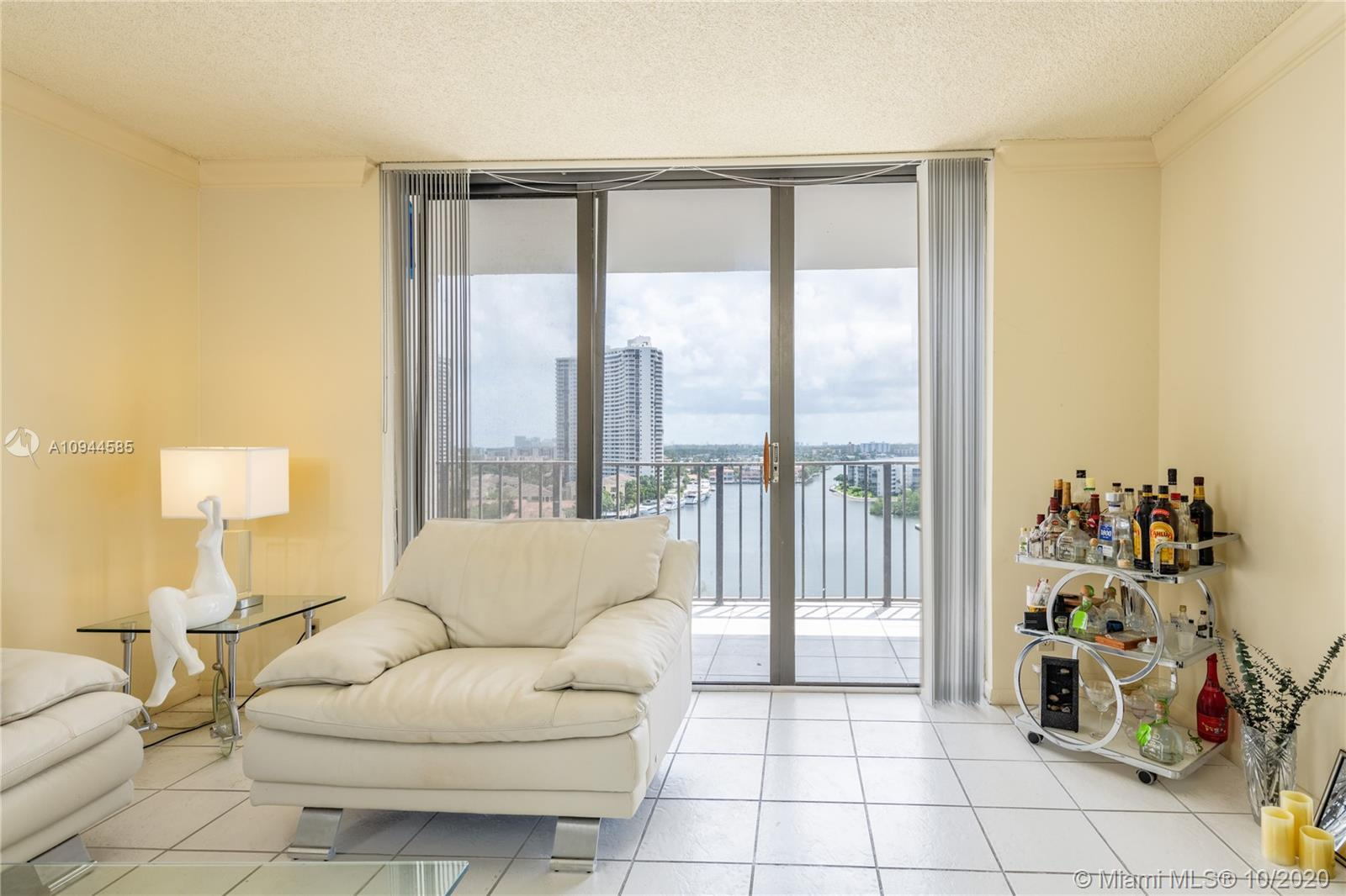 Panoramic long water views from sought after south exposure -see to downtown Miami! Spacious 1/1.5 h