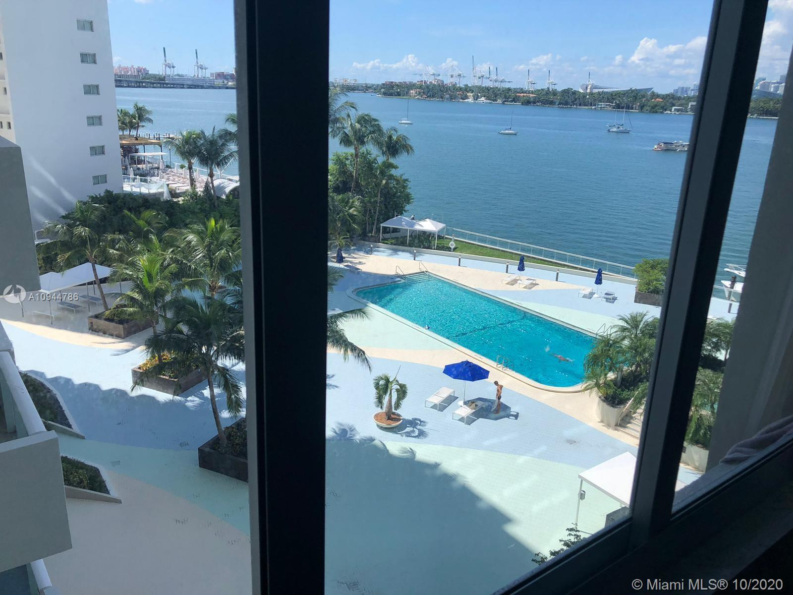 GREAT DEAL ON THIS VERY LARGE 1BED 1BATH. ALMOST 1000 SFT. GREAT BAY VIEW WITH LARGE HURRICANE IMPAC