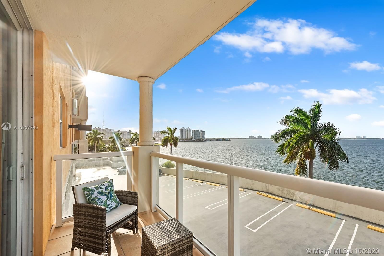 Amazing North views of Biscayne Bay from all windows and terrace. This 2 Bedrooms/2 Full Baths condo