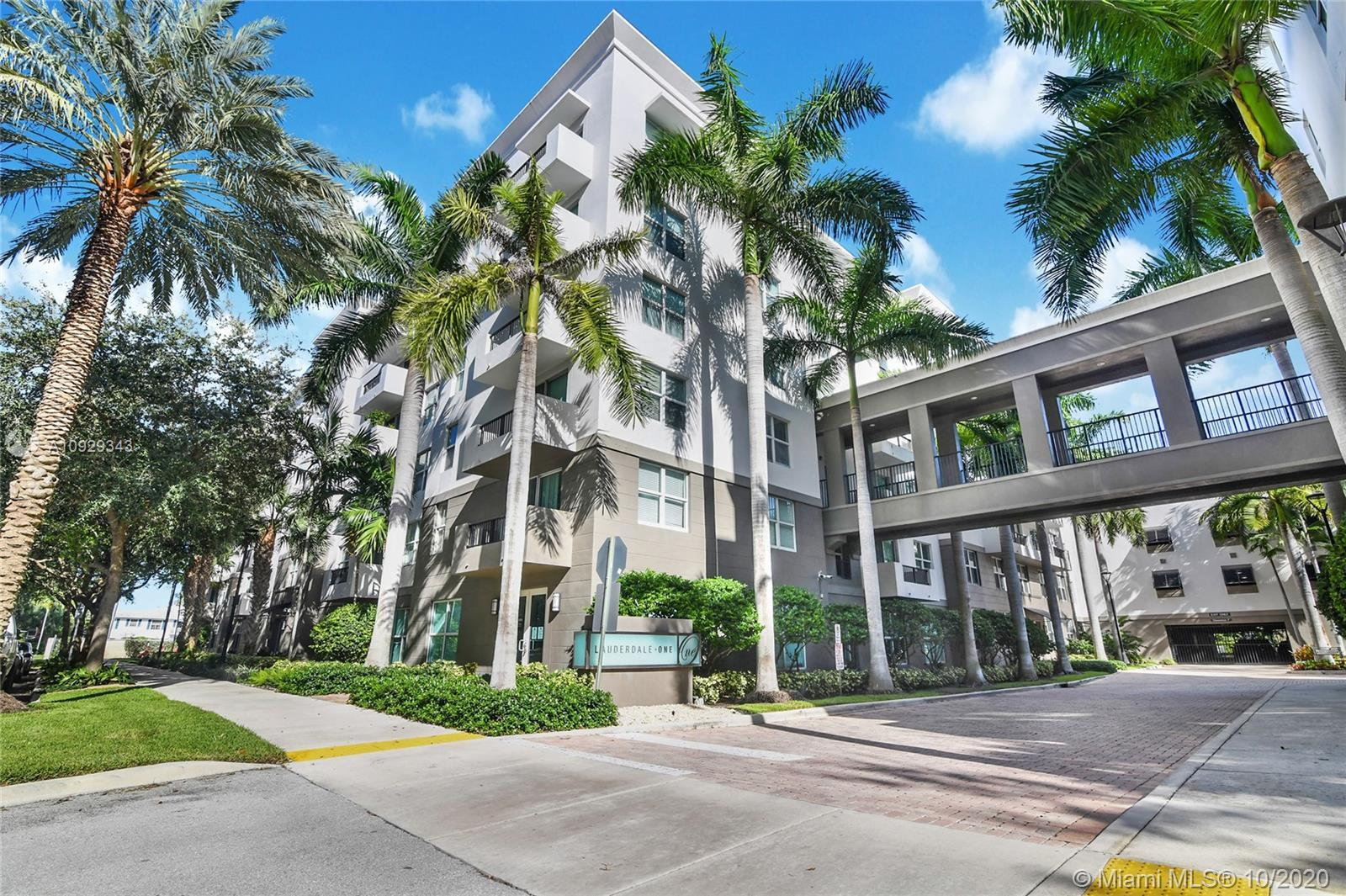 Modern building with a lot of amenities in an desirable location. This two bedroom unit features all
