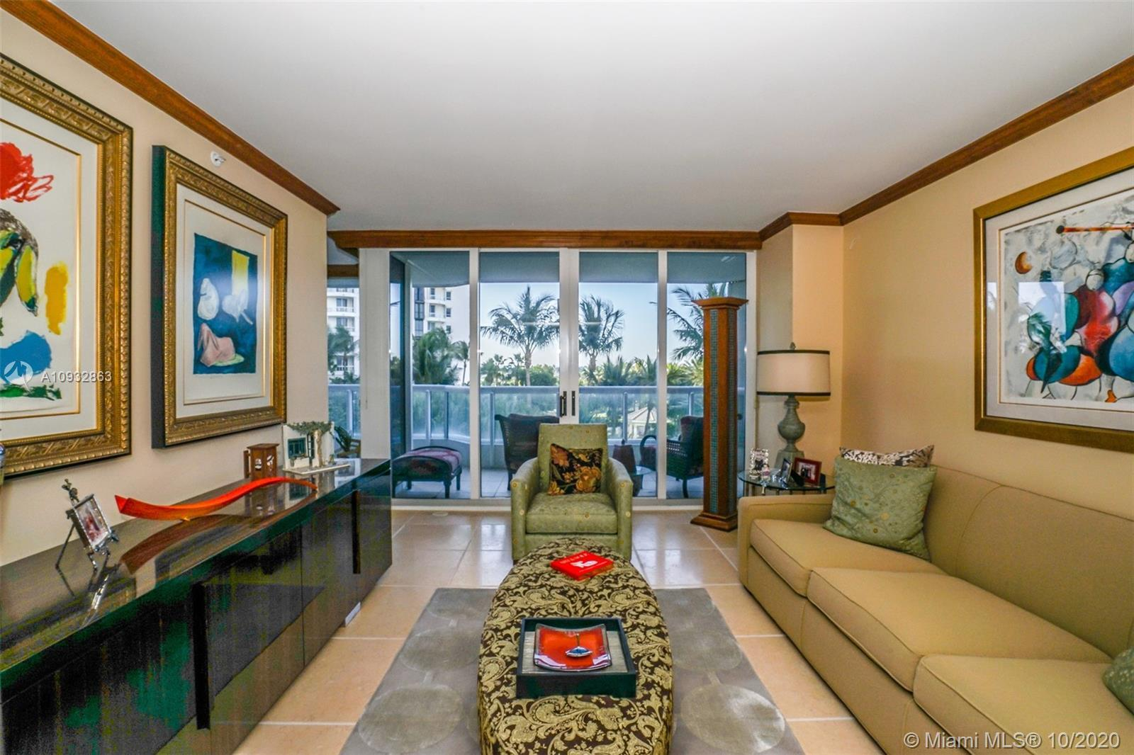 LOCATED AT THE SOUTH TOWER AT THE POINT IN AVENTURA THIS UNIT SPEAKS QUALITY, WELL TAKEN CARE OF AND