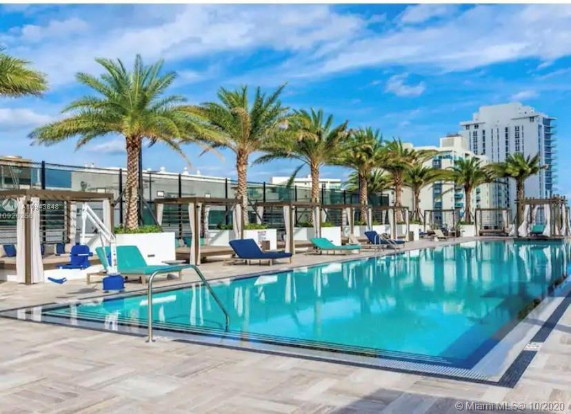 Luxurious New 2/2 High Rise Condo/Hotel in Hollywood Beach with Intracoastal access & stunning Ocean
