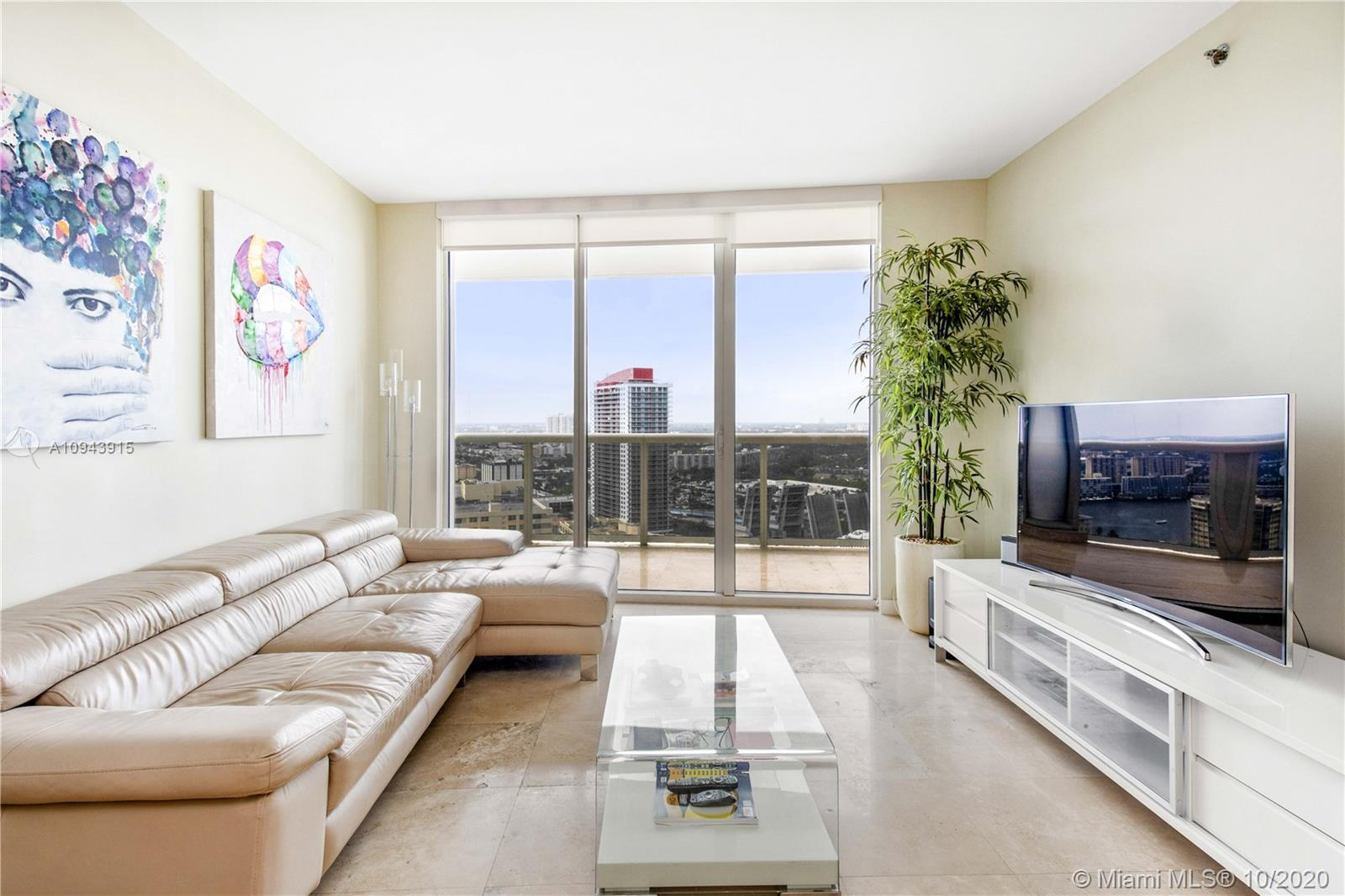 Breathtaking Intracoastal and city views awaits you from this 1 Bed + den /1 bath, 1086 Sq. Ft. unit