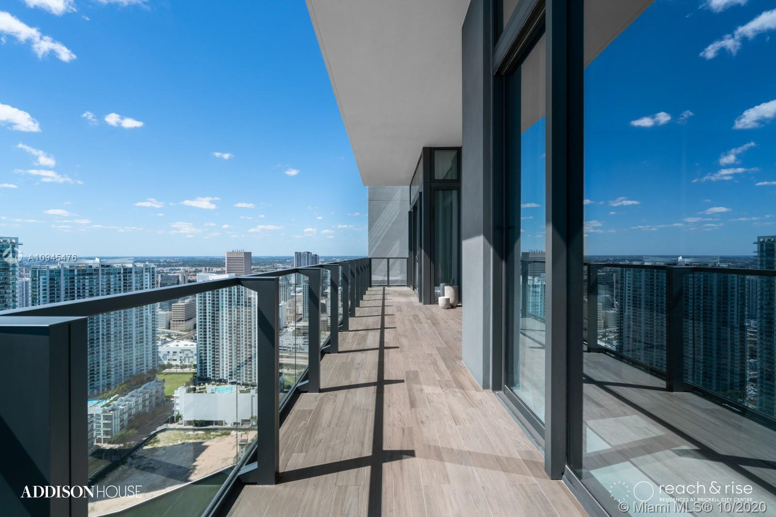 REACH is a 43-story tower designed by Arquitectonica. The building features an expansive, one-acre a