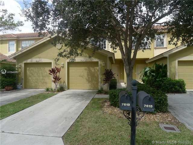 Beautiful 2 Bedroom/2.5 Bathroom in sought out community! Excellent location and priced to sell. Clo