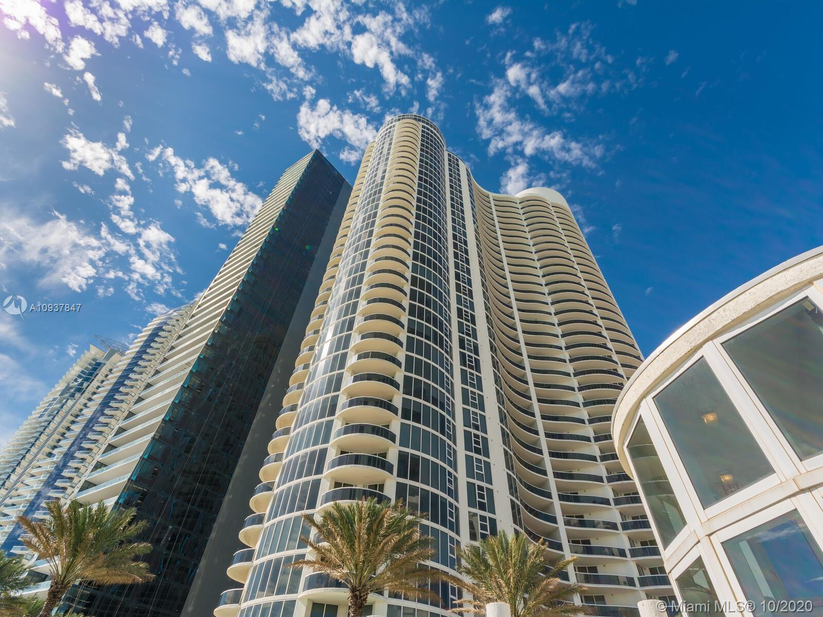 OCEANFRONT AT OCEAN 4 IN SUNNY ISLES with wraparound balcony with direct ocean views. Luxury Oceanfr