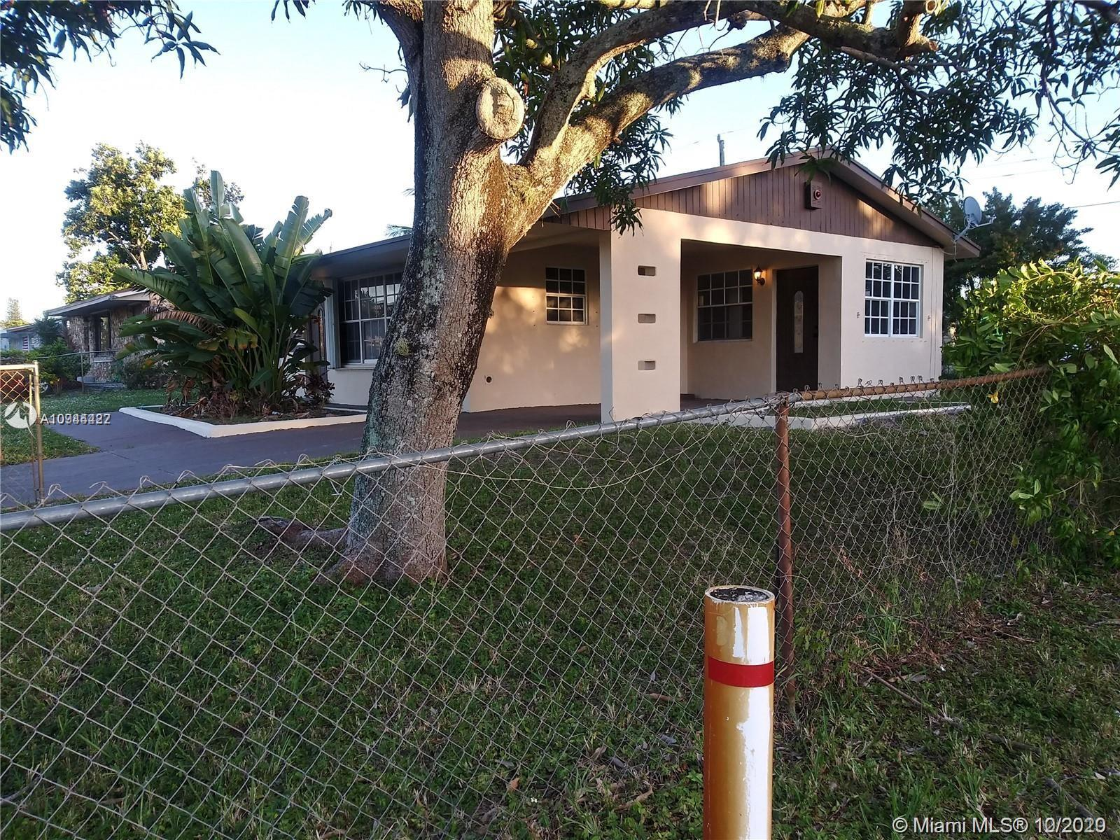 BEAUTIFUL THREE BEDROOM, TWO BATH, ONE CAR GARAGE HOME! GREAT FOR FIRST TIME HOME BUYER!