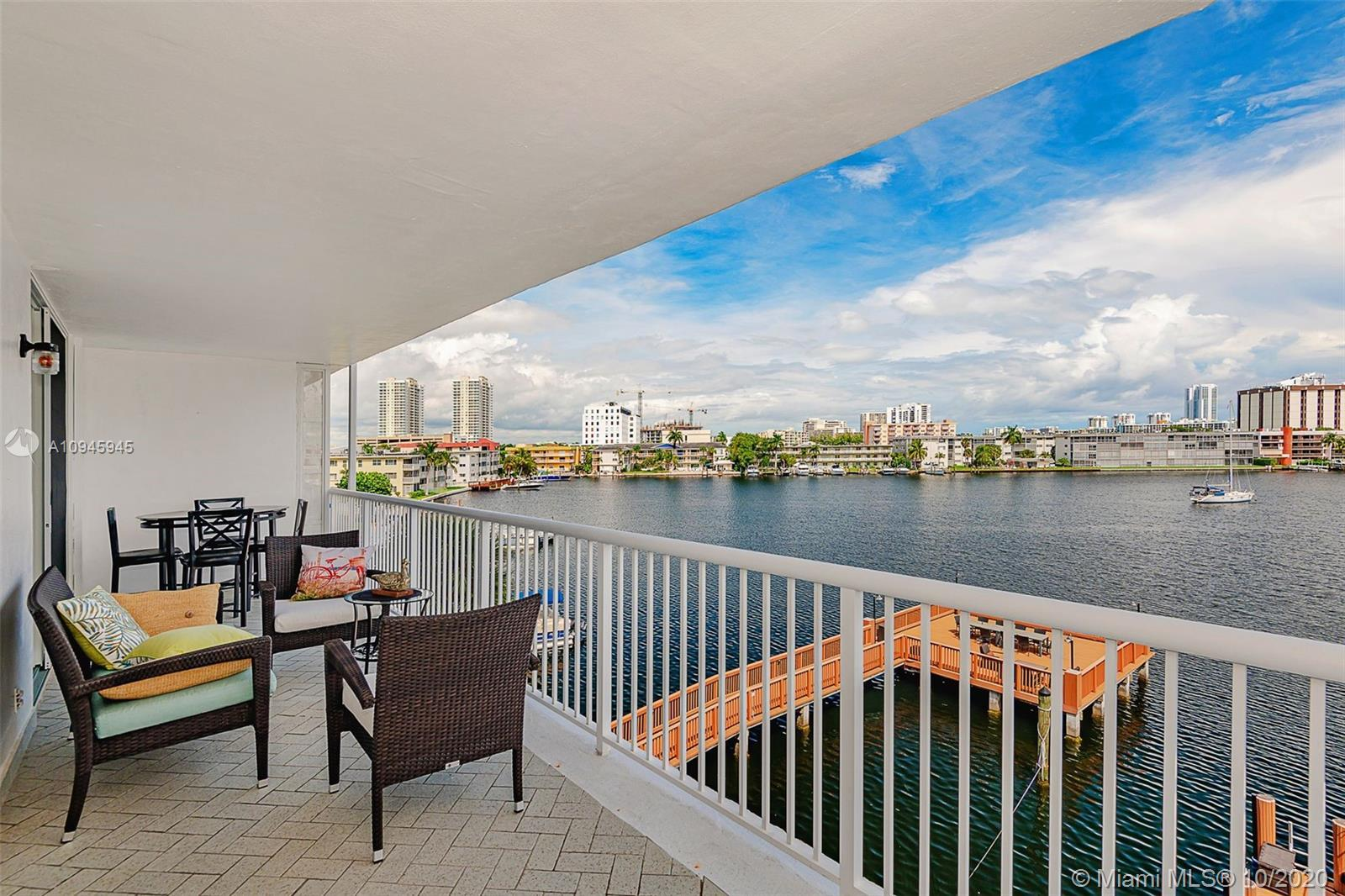 **DONT MISS!!! COMPLETELY REMODELED UNIT OFFERING A SPECTACULAR WATER VIEW JUST MINUTES FROM THE BEA