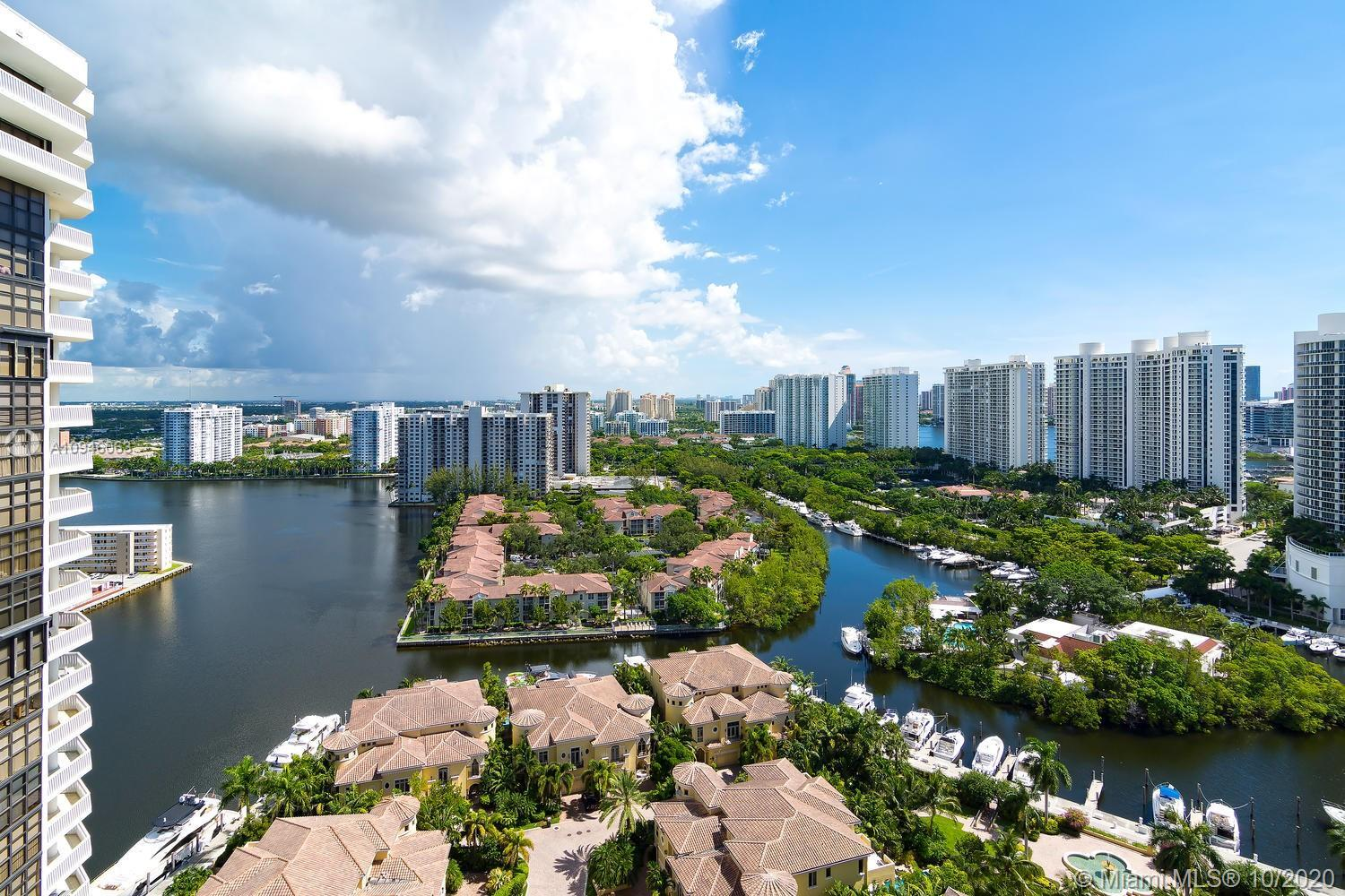 1 Bed and 2 baths unit with amazing view of the intracoastal. Very motivated seller , high floor uni