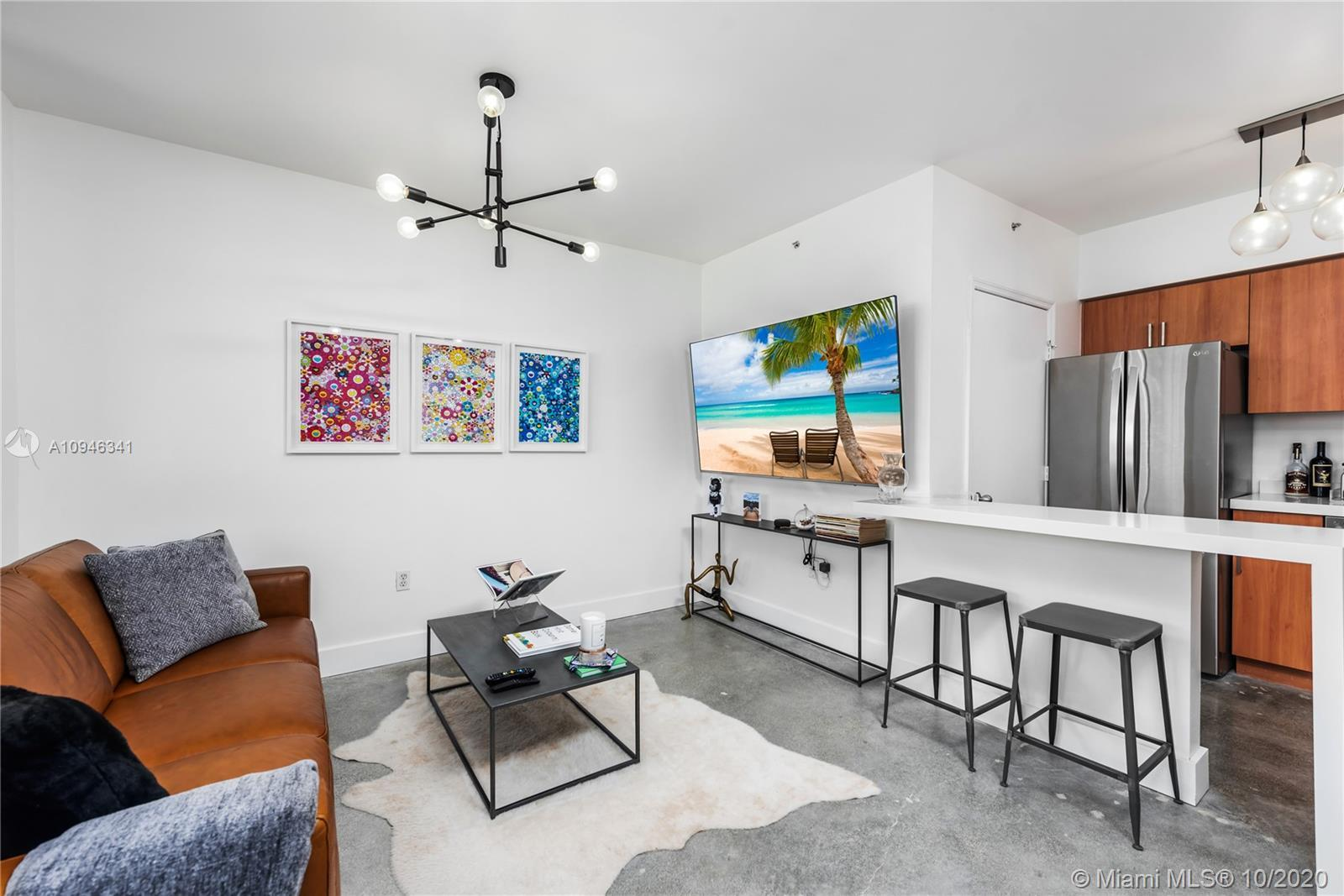 COMPLETELY RENOVATED MODERN 1/1 in the heart of South Beach! Nicest 1/1 in the building! New washer/