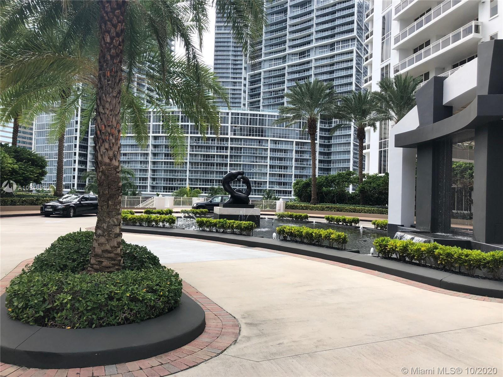 Spectacular Residence!!! Best Oversized corner unit with spectacular views of Miami. This 4br/4.5ba