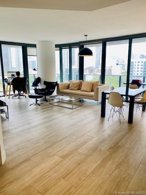 Beautiful 2/2 at Hyde building in Midtown! Fully furnished with water view and Miami skyline ! Corne