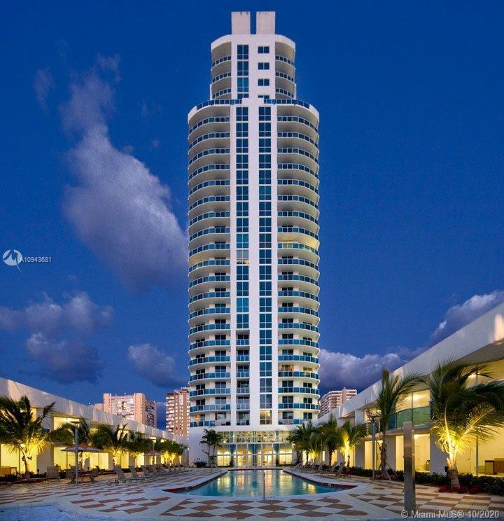 Spectacular and impeccable directly facing east apartment. Steps from beach. well maintained vacatio