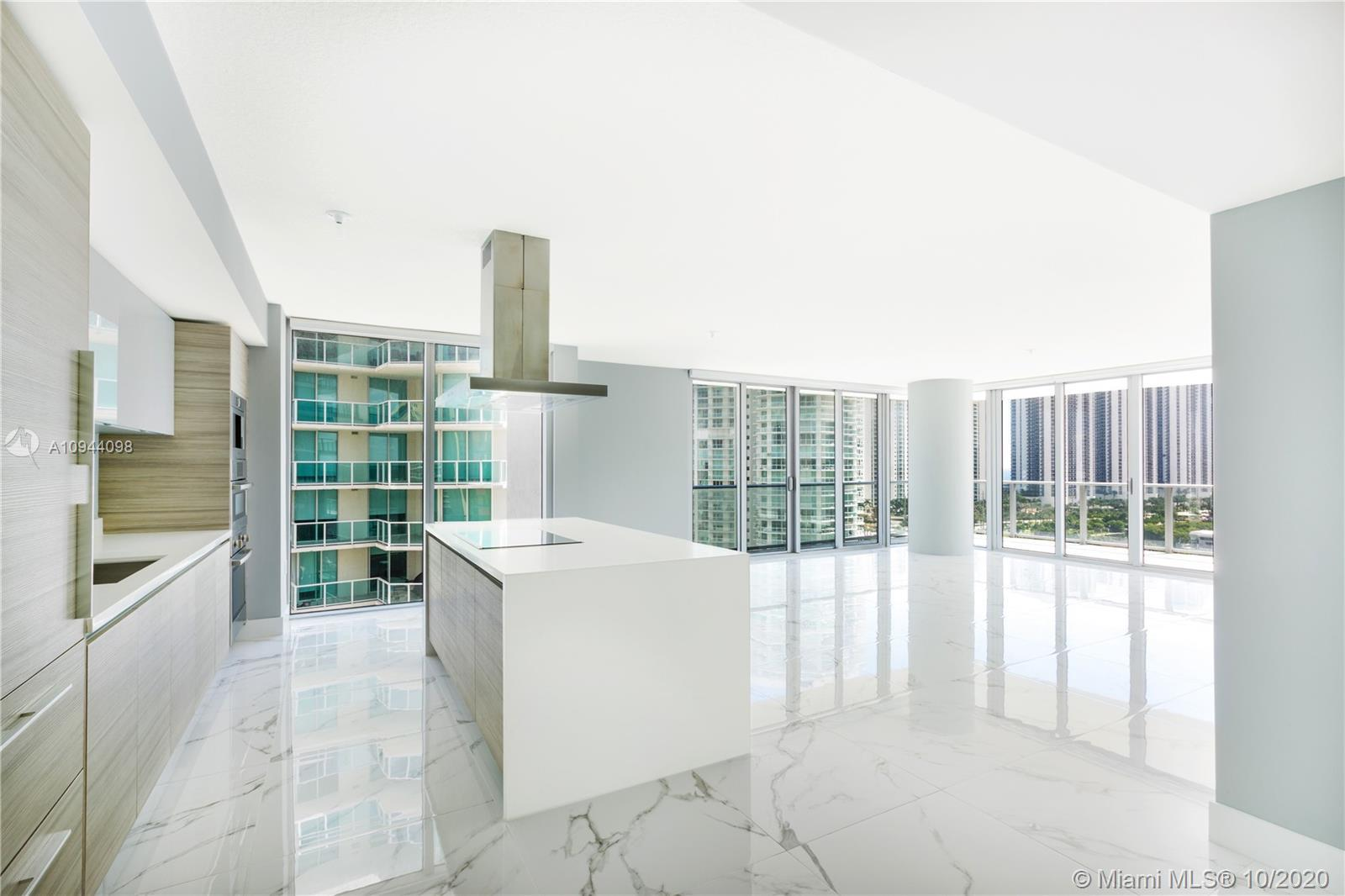 Stunning corner unit with  intracoastal and ocean view  , Sunny Isles Skyline and the surrounding is