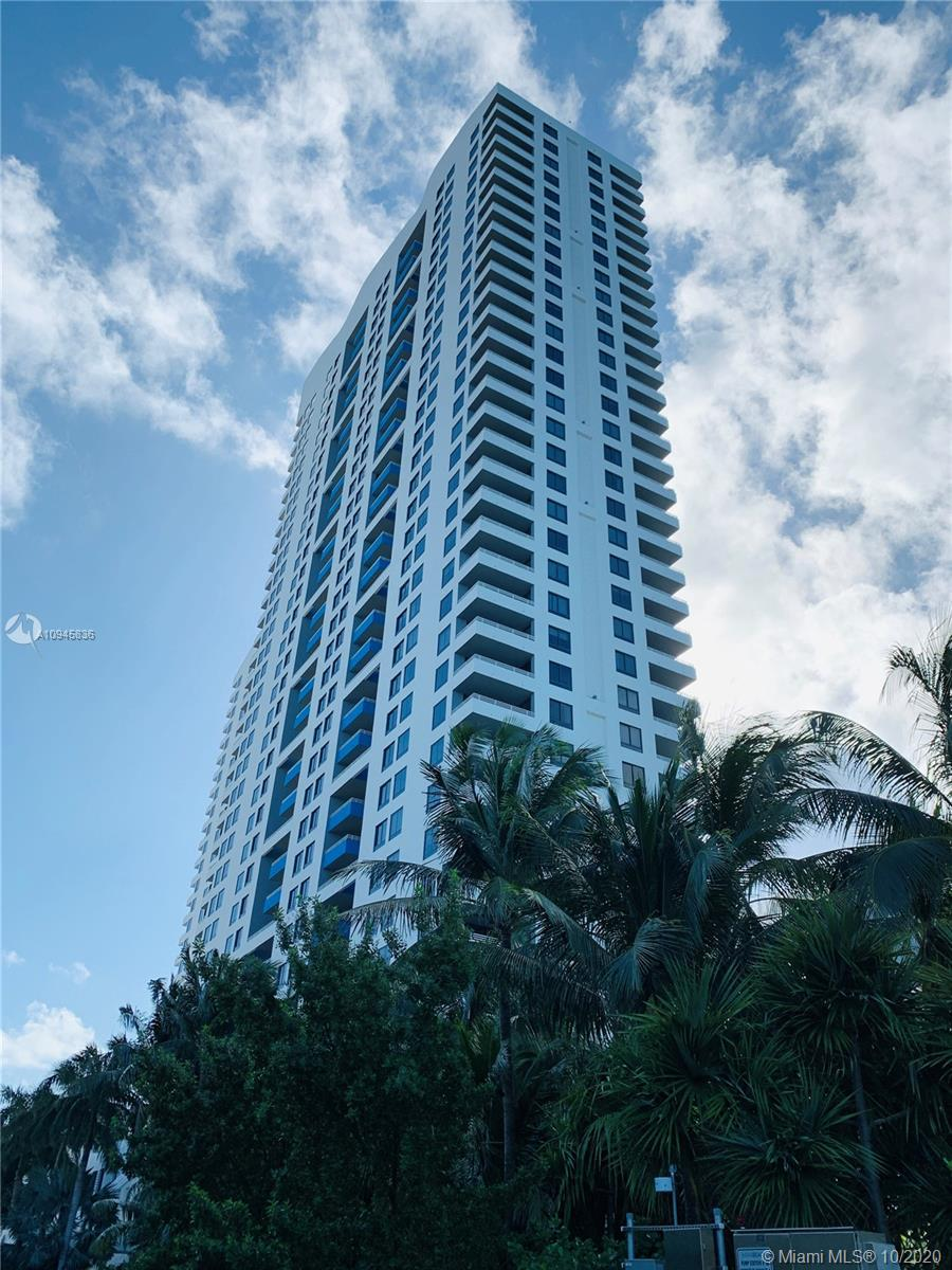 Presenting this highly desired and large '07' line at The Waverly, secluded and located in SoBe. Cor