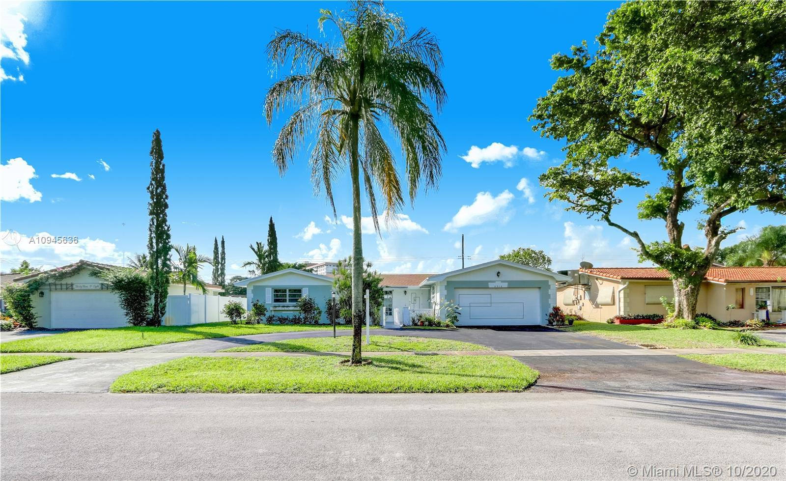 Enjoy beautiful days in this spacious one story pool home in Hollywood Hills!  Property features  3