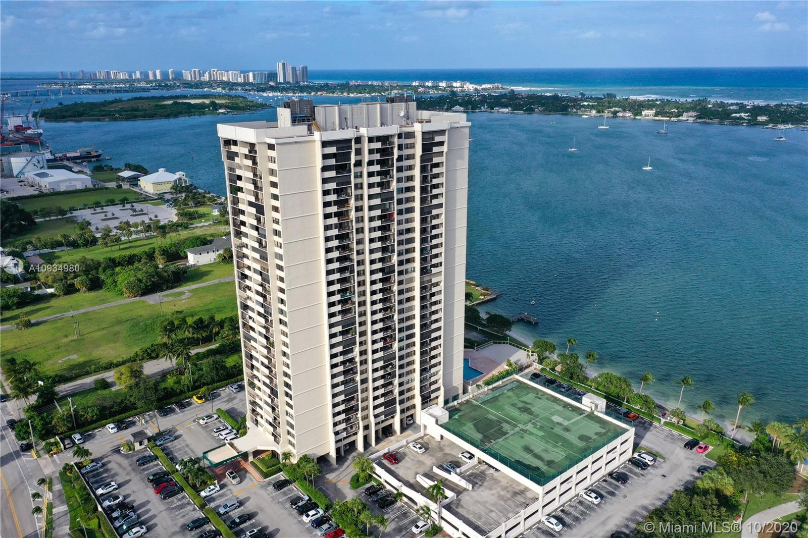 Gorgeous ocean and intercoastal views from this spacious 3 bedroom 2 bath apartment with a huge balc