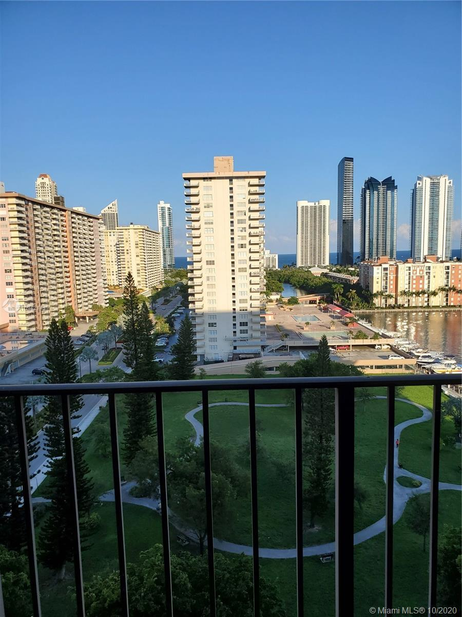 RECENTLY COMPLETELY REPLANED AND RENOVATED BIG 1 BR 1,5 BATH APARTMENT IN THE HEART OF SUNNY ISLES.