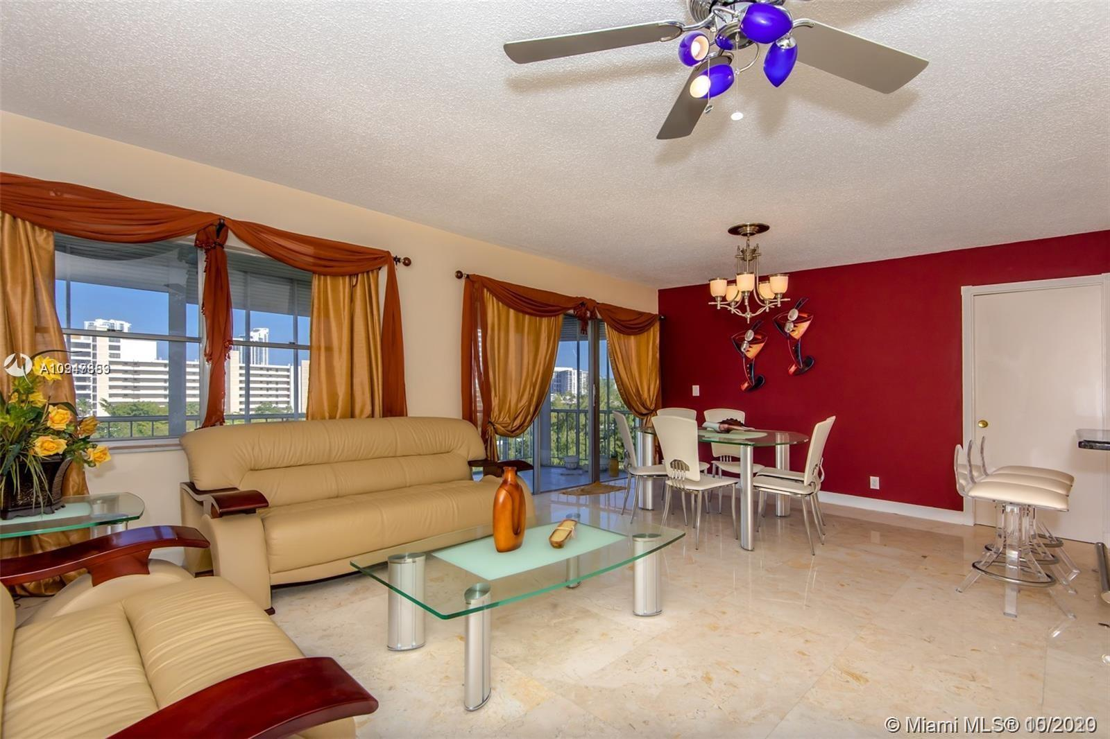 2 BEDROOMS 2 BATHROOMS  PENTHOUSE WITH MARBLE FLOORS THROUGHOUT. UPDATED KITCHEN WITH GRANITE COUNTE
