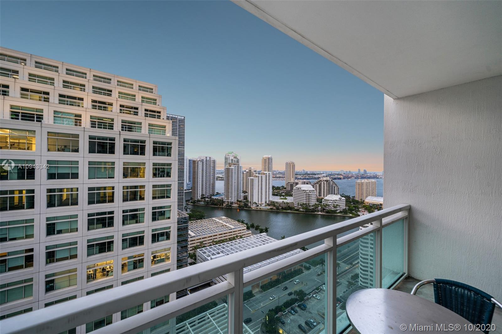 Live Limitlessly in this delightful 30th floor unit at The Plaza overlooking Biscayne Bay. This clas