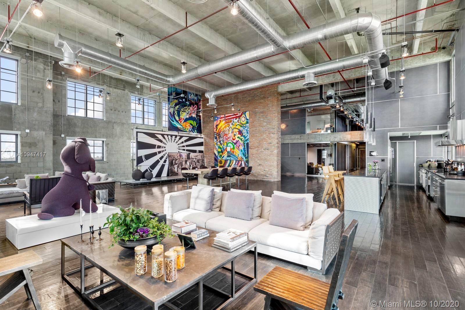 MANHATTAN MEETS MIAMI! NY style luxury loft living in the heart of Downtown Miami. Cutting-edge 7,11