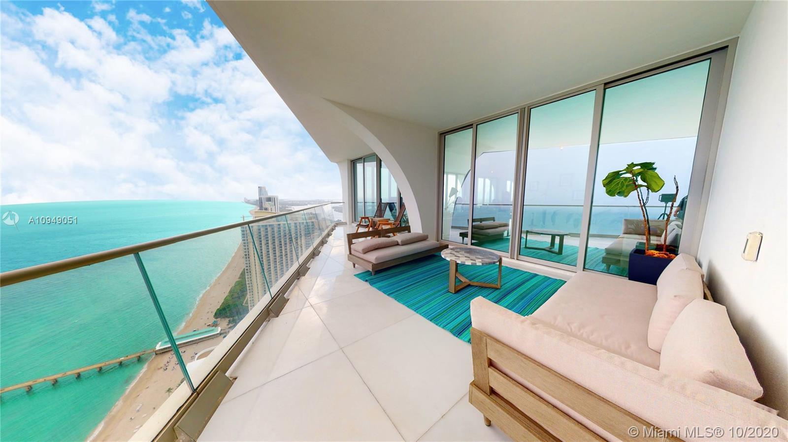 Spectacular corner residence in Award-Winning Miami Oceanfront Residences by Pritzker-Prize winning