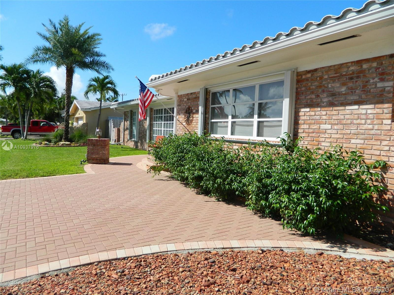 Rare find..... 3 Bedrooms and 3 FULL baths/Cabana. Split plan has 2 Master Bedrooms is ideal for Mot
