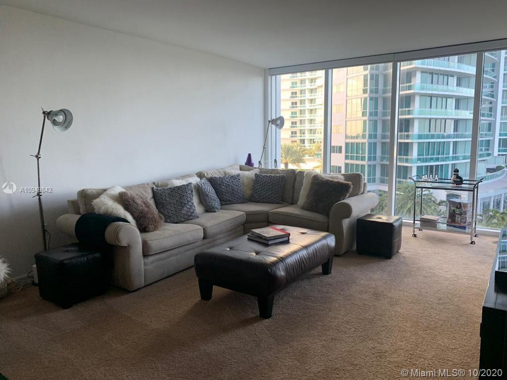 Large 1/1.5 unit with nice views to the ocean. Stainless steel appliances.  Located at the beach on
