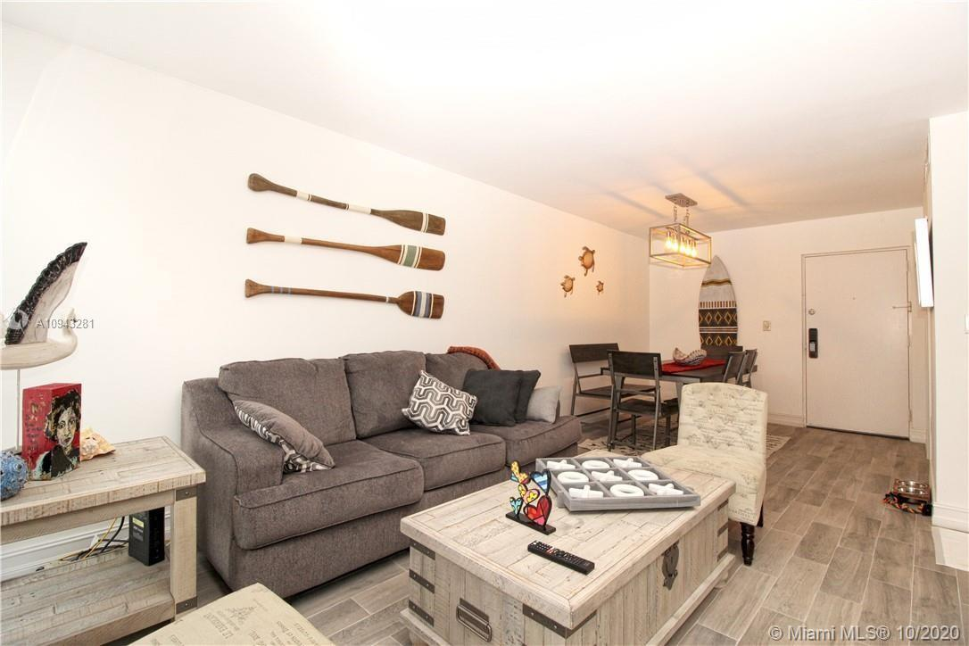 BEAUTIFUL APARTMENT RECENTLY REMODELED. EXCELLENT INVESTMENT OPPORTUNITY WITH ANNUAL RENTAL INCOME B