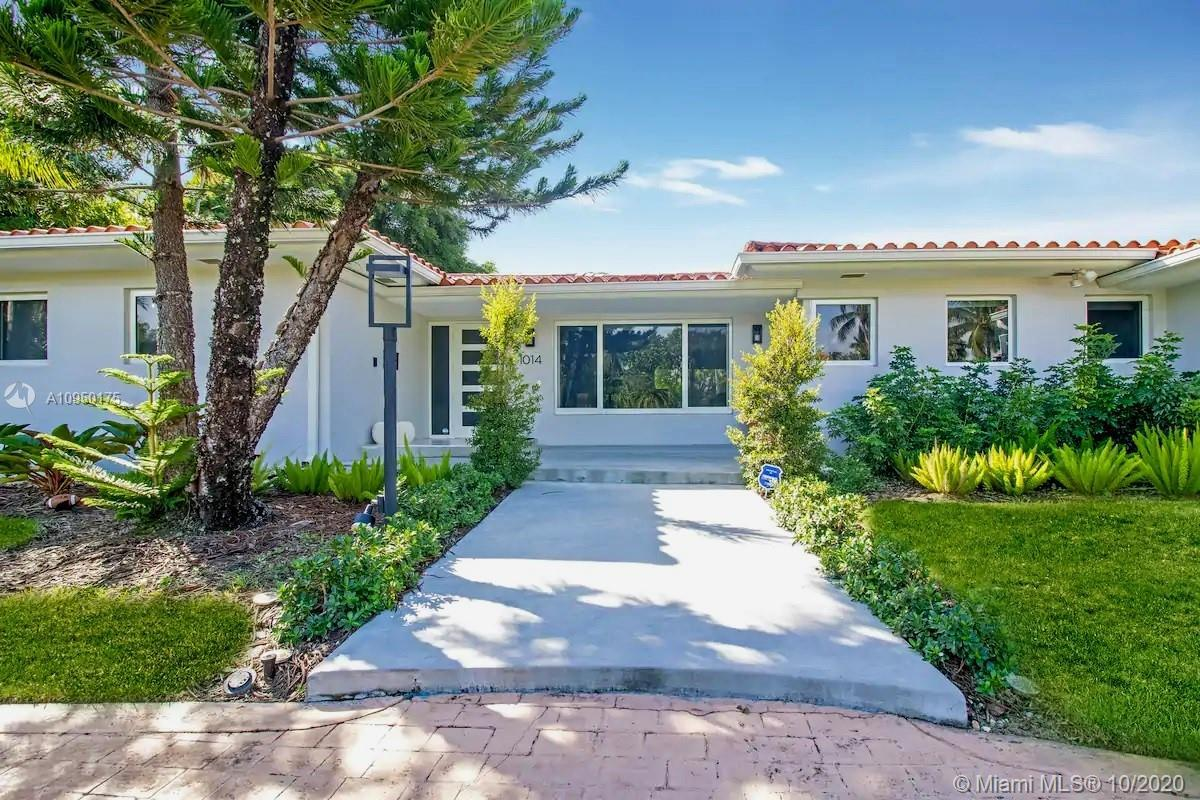 Elegant and sophisticated home in the Bidding Heart of Hollywood Lakes! This Split floor plan home f