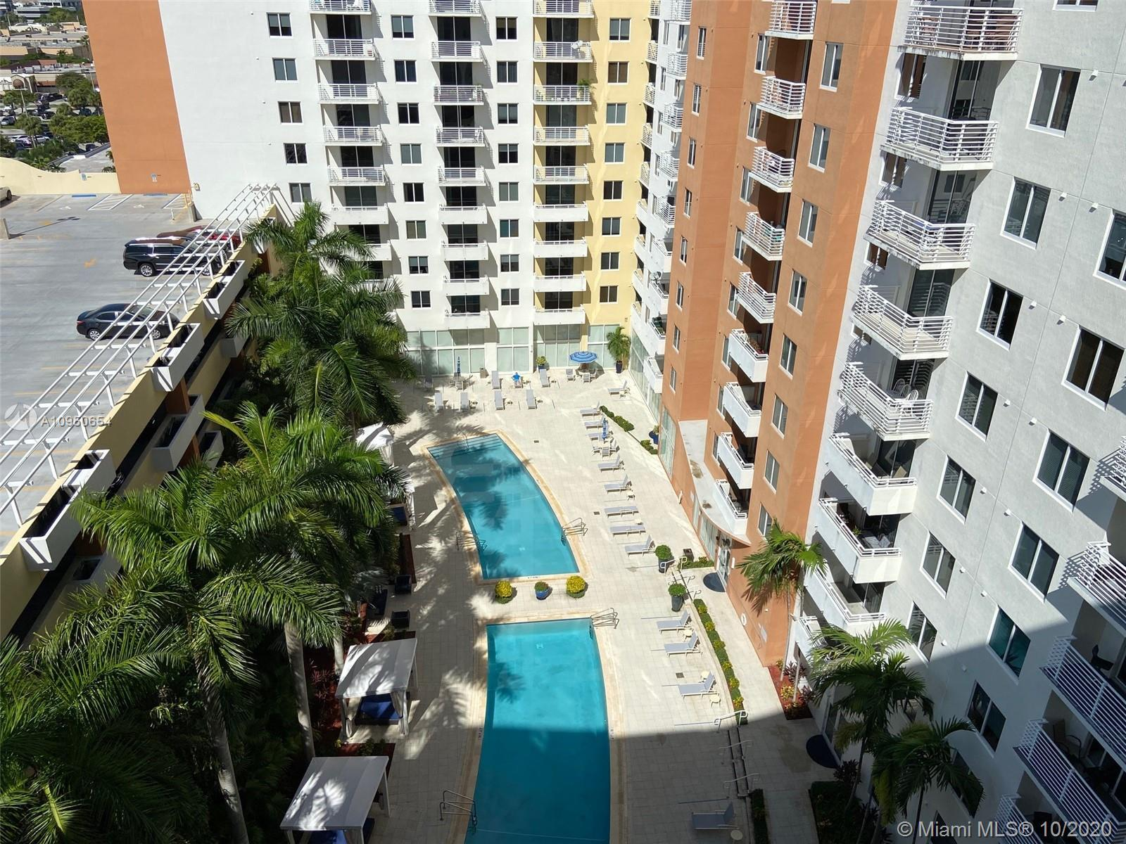 GREAT OPPORTUNITY TO OWN IN NEWER BUILDING IN AVENTURA AT A VERY REASONABLE PRICE. NICE LAMINATE FLO