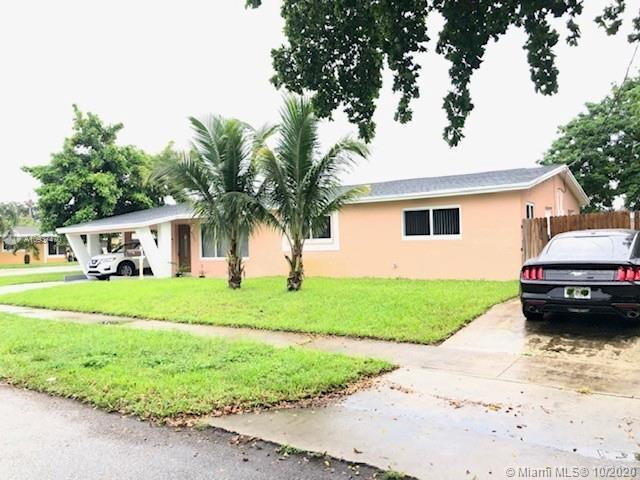 A BEAUTIFUL 4/2 SINGLE FAMILY HOME****CORNER HOUSE***NO HOA FEES****UPDATED KITCHEN WITH STAINLESS S