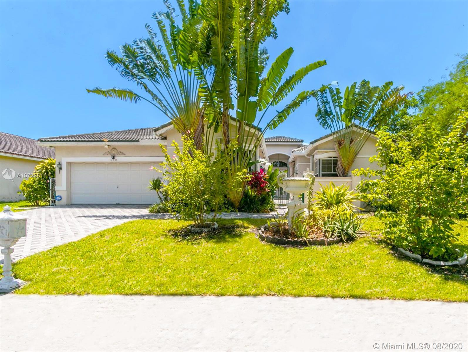 """""""Hollywood Beach Villa"""" ideally located in the heart of Hollywood Golf Estates and walking distance"""