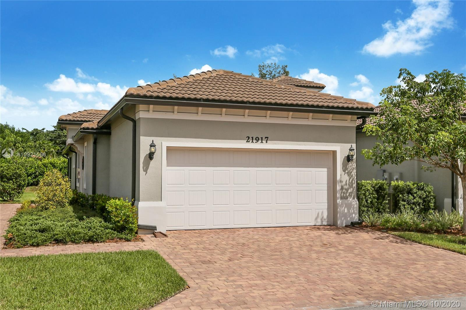 NEW CONSTRUCTION* RESALE in BOCA FLORES* Pulte Homes. Located in CENTRAL BOCA, a private guard gated
