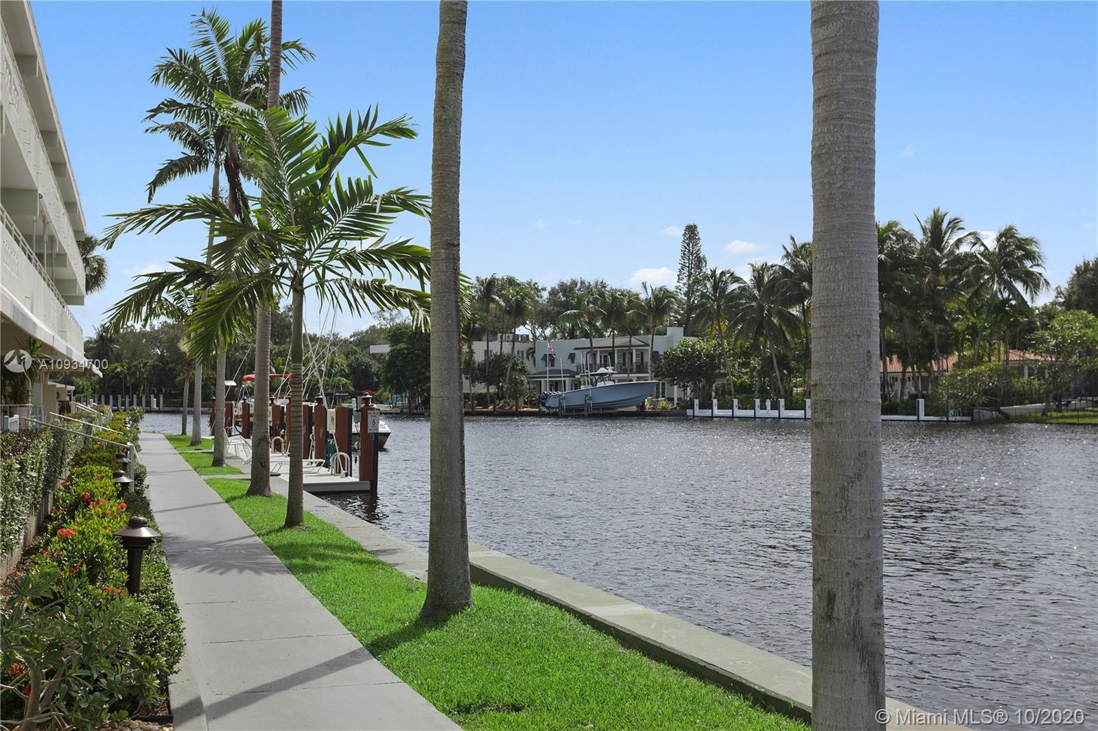 Boutique Riverfront building just steps from Las Olas Blvd.  Fully Remodeled unit features: 1-Bedroo