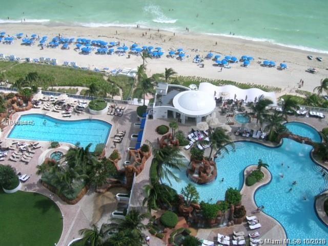 DELUXE STUDIO IN CONDO HOTEL IN THE HEART OF SUNNY ISLES BEACH. ENJOY THE FABU;OUS BEACH CLUB, SPA