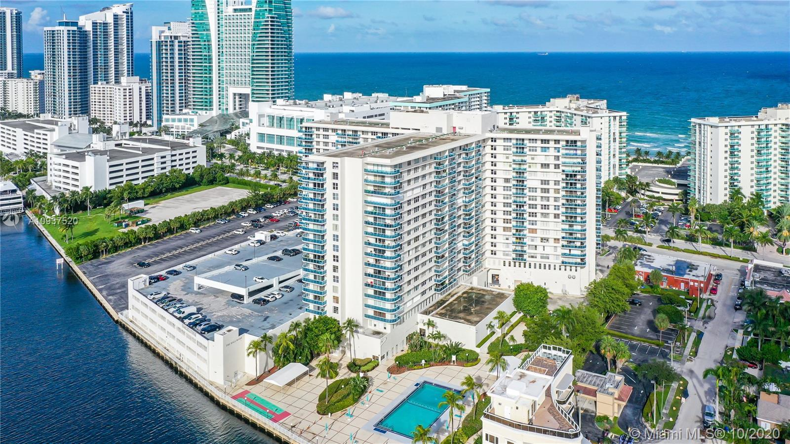 Penthouse unit with ocean view from every room.  Enjoy the Boardwalk and the New Margaritaville Comp