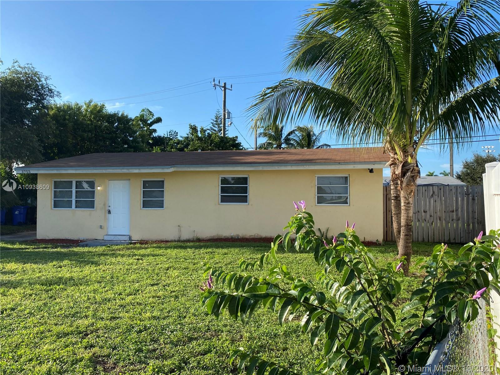 Charming 3 Bedroom 2 Bathroom home with large fenced in yard. The property features tile floors thro