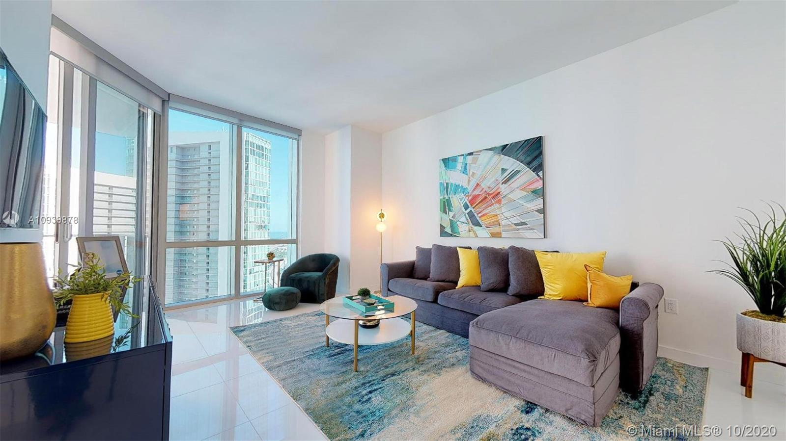 Amazing new construction at Paramount Miami World Center. 1 Bed + Den (converted into 2nd Bed). Top