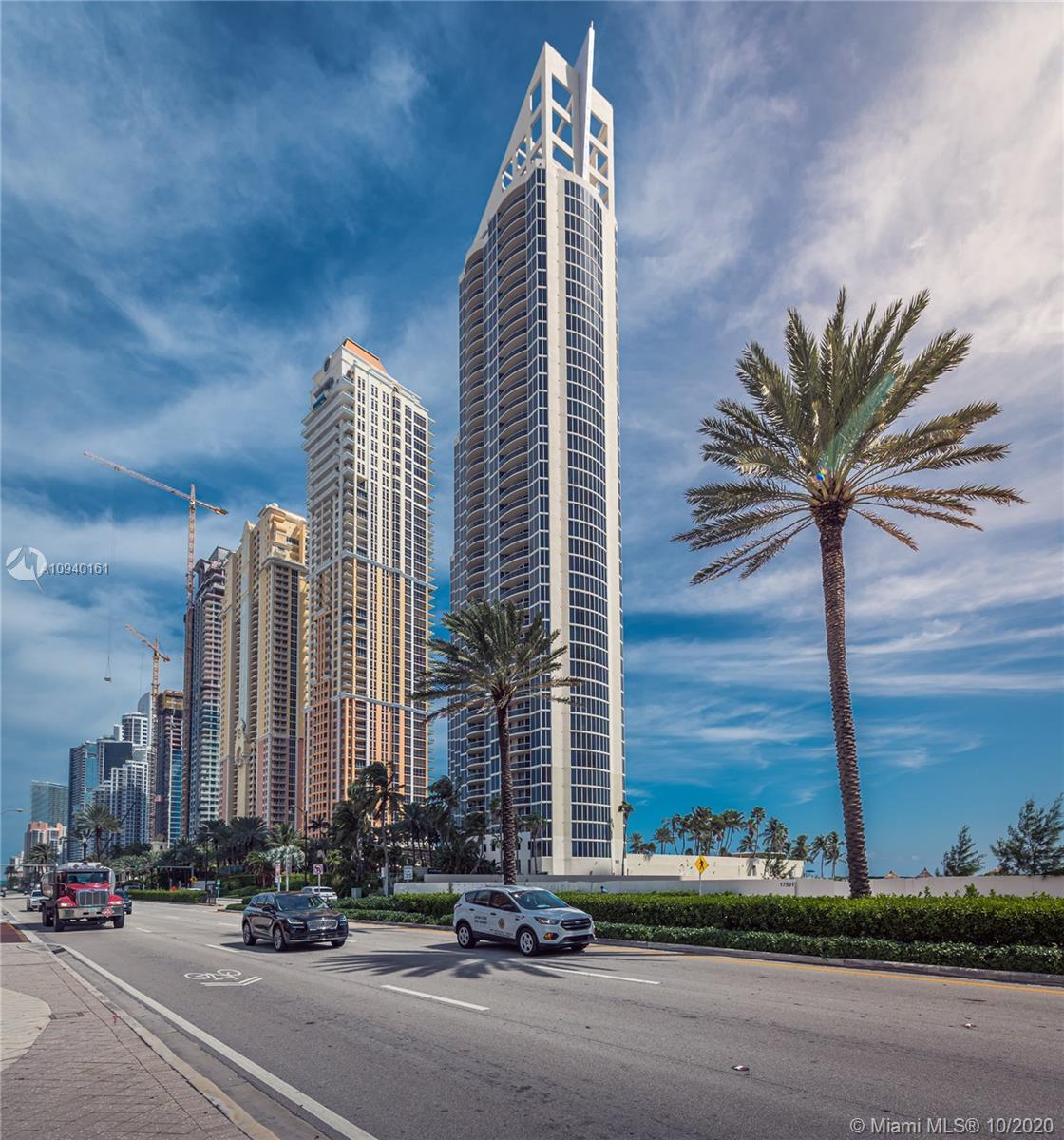 Priced for fast sale! Beautiful oceanfront 3 bed/3 bath unit at the prestigious Pinnacle building in