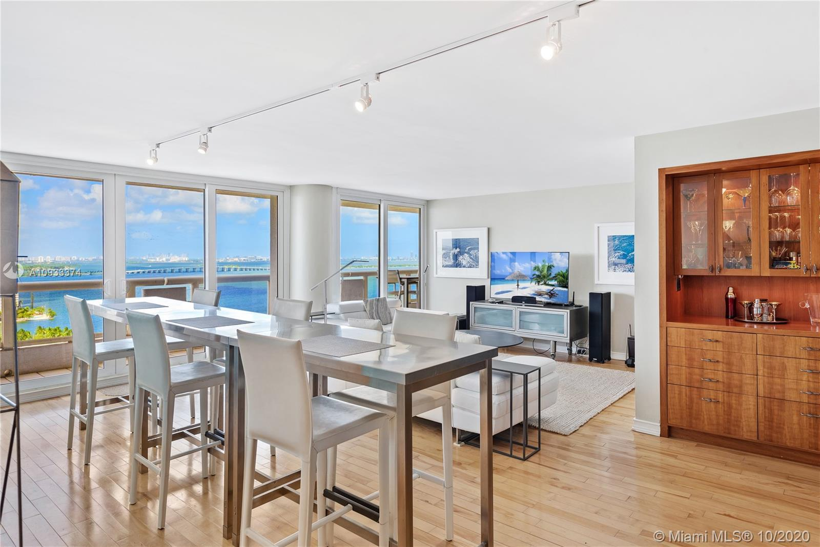 A perfect Miami retreat to relax and enjoy panoramic views. Situated in The Grand, an ideally locate